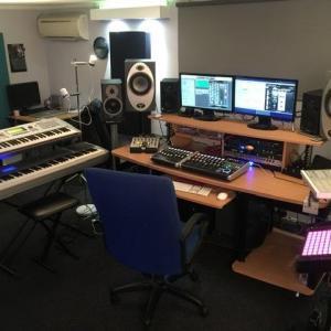 CoolMoonMusic - Voiceover Studio Finder