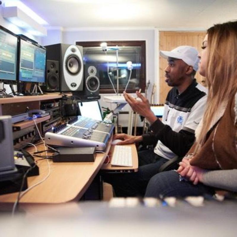 Cool Moon Music - Production Studio in United Kingdom