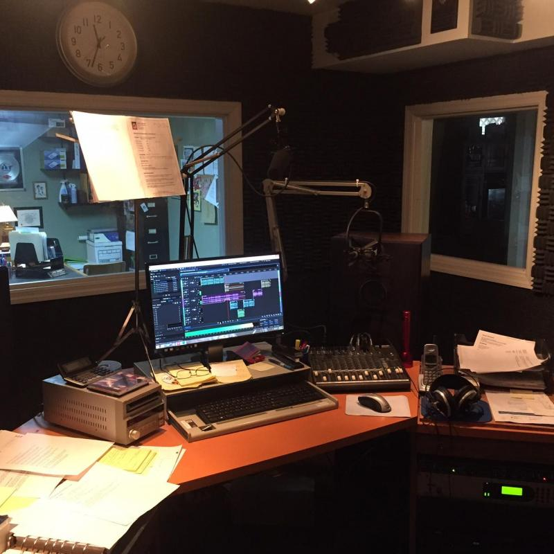 Lance DeBock Professional Voiceovers - Home Studio in United States