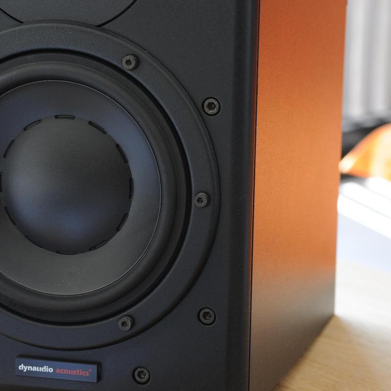 Voix-là Voiceover Studio Finder