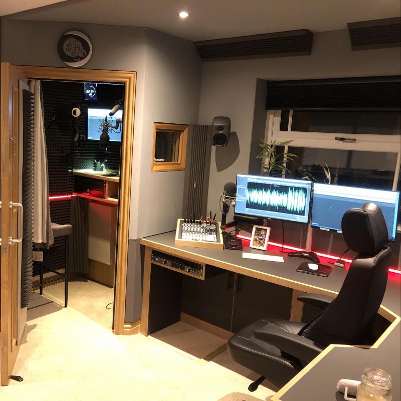 VoiceoverGuy - Yorkshire Studio - Home Studio in United Kingdom