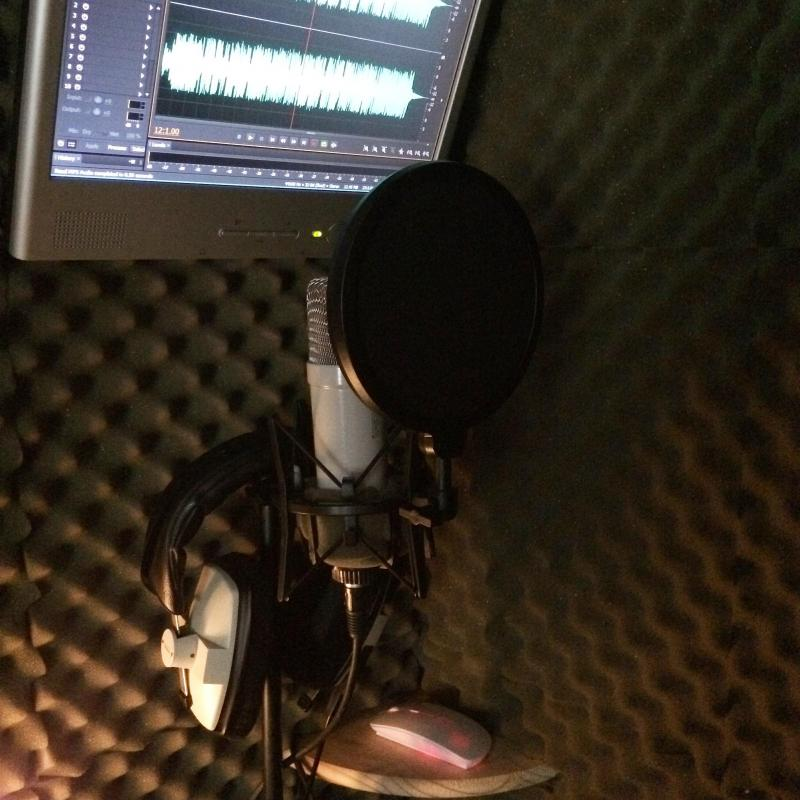 Lee Glasby Voice Over Services - Home Studio in United Kingdom