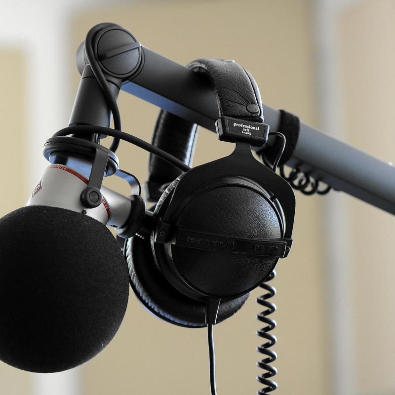 VoicesUK - Hire British Voiceovers - Production Studio in United Kingdom