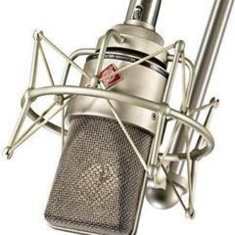 Claudia Voix Off - Voice Talent Voiceover Studio Finder
